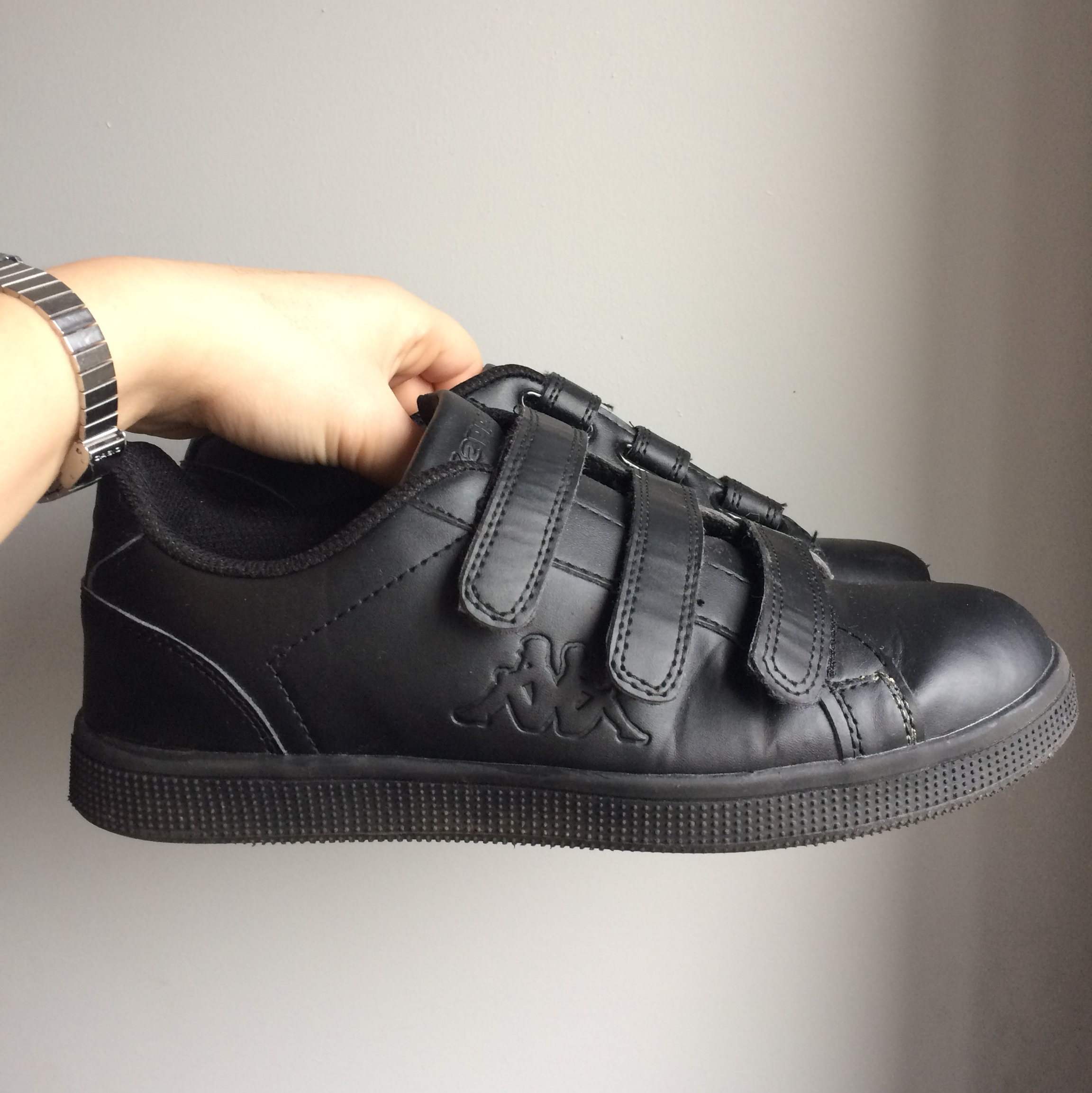 Real cool Black Kappa trainers with