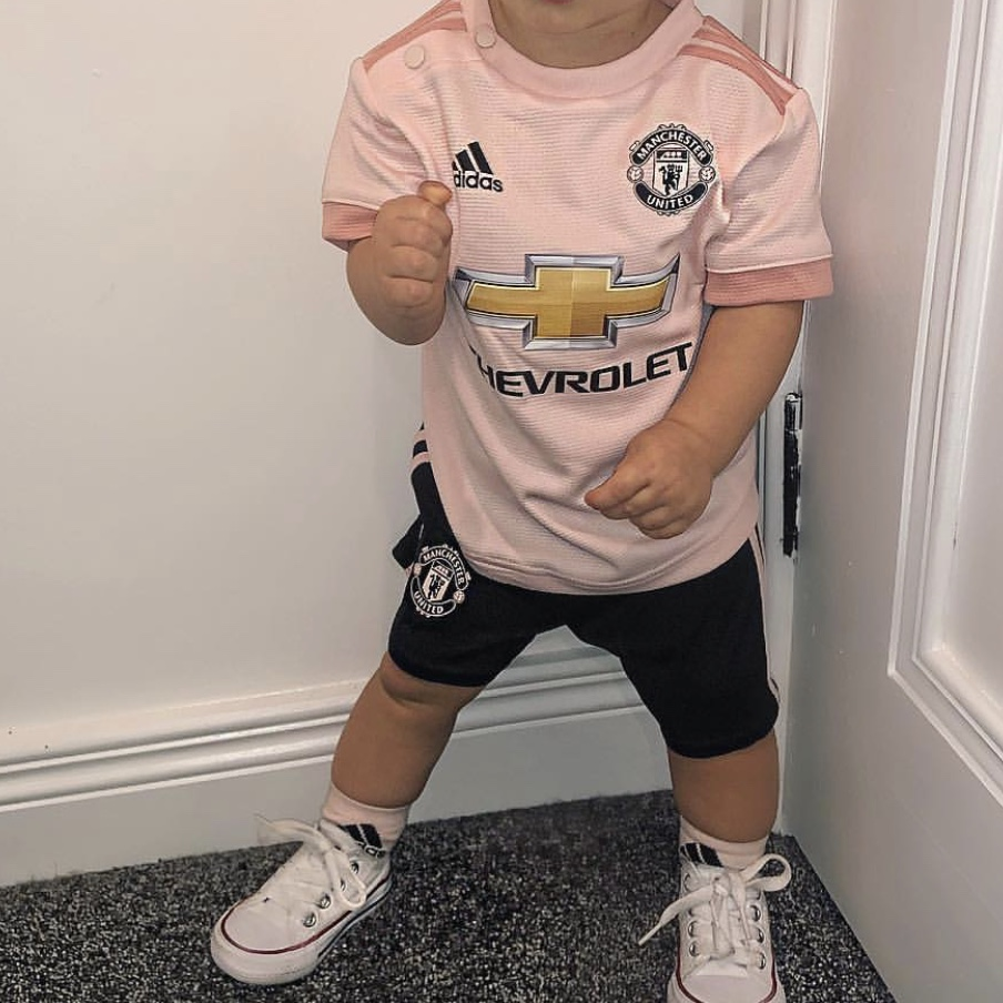 low priced 16fbe 5b946 Pink Edition Baby Manchester United Football Kit -... - Depop