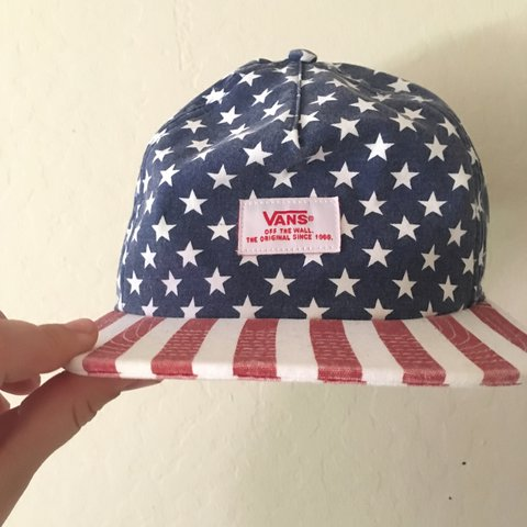 088a2510 @winterbread. 2 years ago. Pittsburg, United States. Vans American Flag  Adjustable Strapback Perfect Condition ...