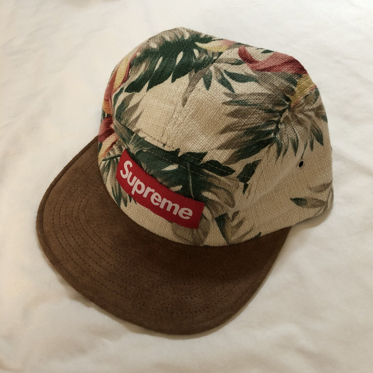 SUPREME FLORAL CAMP CAP HAT WHITE CREAM. WORN ONCE AUTHENTIC - Depop 2fb03020211