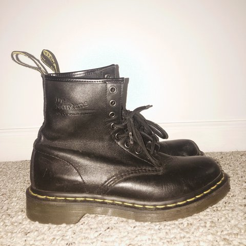 16513c6bf61 @earabia. 2 years ago. Bloomington, United States. Practically brand new  black doc martens.
