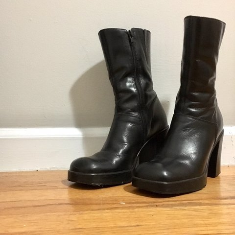 be29844e45f Vintage Steve Madden chunky leather boots. 3 in heel with a - Depop