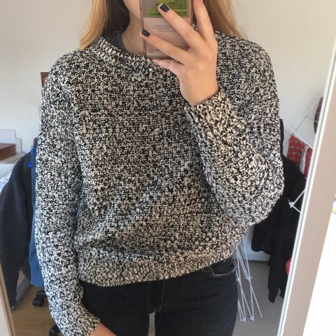 866655f19a7  owardrop. 7 days ago. United Kingdom. Black and white knit jumper from H M.  Really thick warm material.