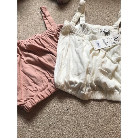 49137e418fc @charldavey_. 2 years ago. Thorne, United Kingdom. Knitted Zara crop top,  both brand new and never been worn ...