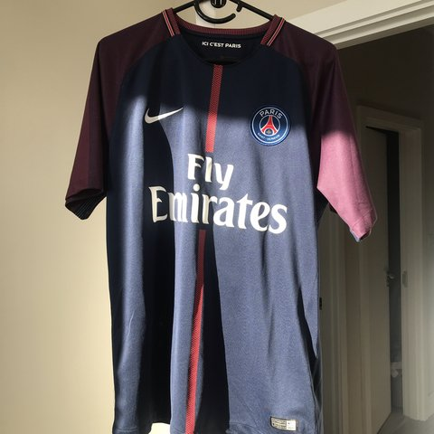 42ccb5ab34c5e PSG HOME KIT 17 18 SIZE LARGE NEYMAR   PAID £90 FROM as - Depop
