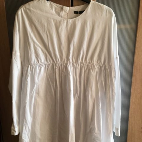 24165d5a664 Zara white long sleeved smock playsuit dress with buttoned - Depop