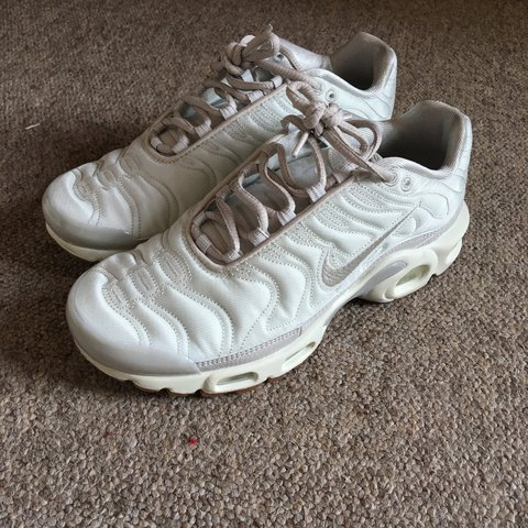 4cec4ebcd2 Nike cream satin pack Tn trainers. Only worn once so in very - Depop
