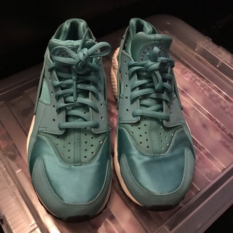 the best attitude eff81 520c9  ellieeey. 3 months ago. Chippenham, United Kingdom. Nike huarache  turquoise blue ...