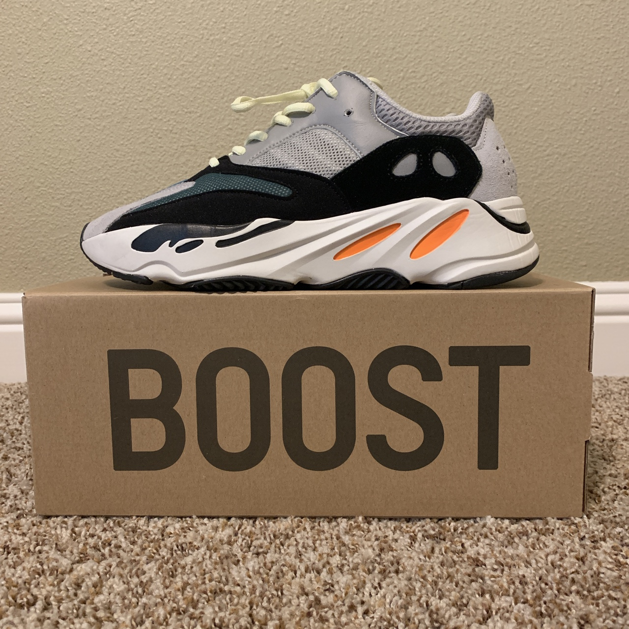 yeezy wave runner laces