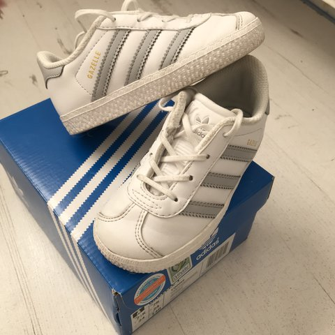 Boys Adidas size 7 trainers excellent condition worn only 5 - Depop 1f02b45bb