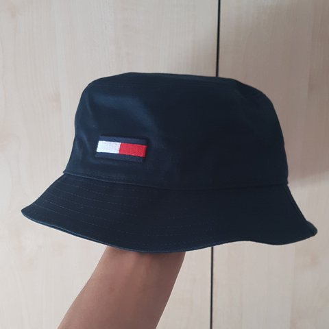 731d3dc0a0 Tommy Hilfiger Bucket Hat☉ Brand new in perfect condition