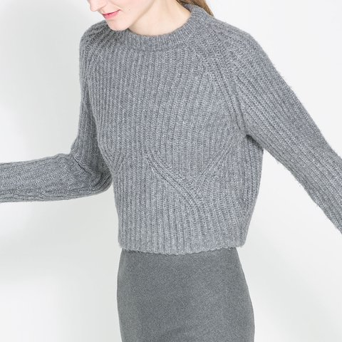 af3eb2bfb13a Grey Zara cropped knot sweater in Size S! No tags