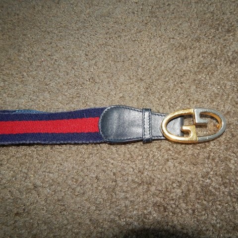 c2a62a246ff Vintage Authentic Gucci youth size belt in 8 10 condition. a - Depop