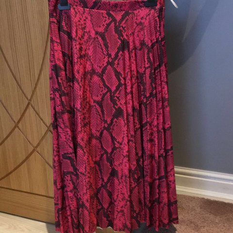 129b24df09 Pink animal print maxi skirt. Bought from Tesco too big for - Depop
