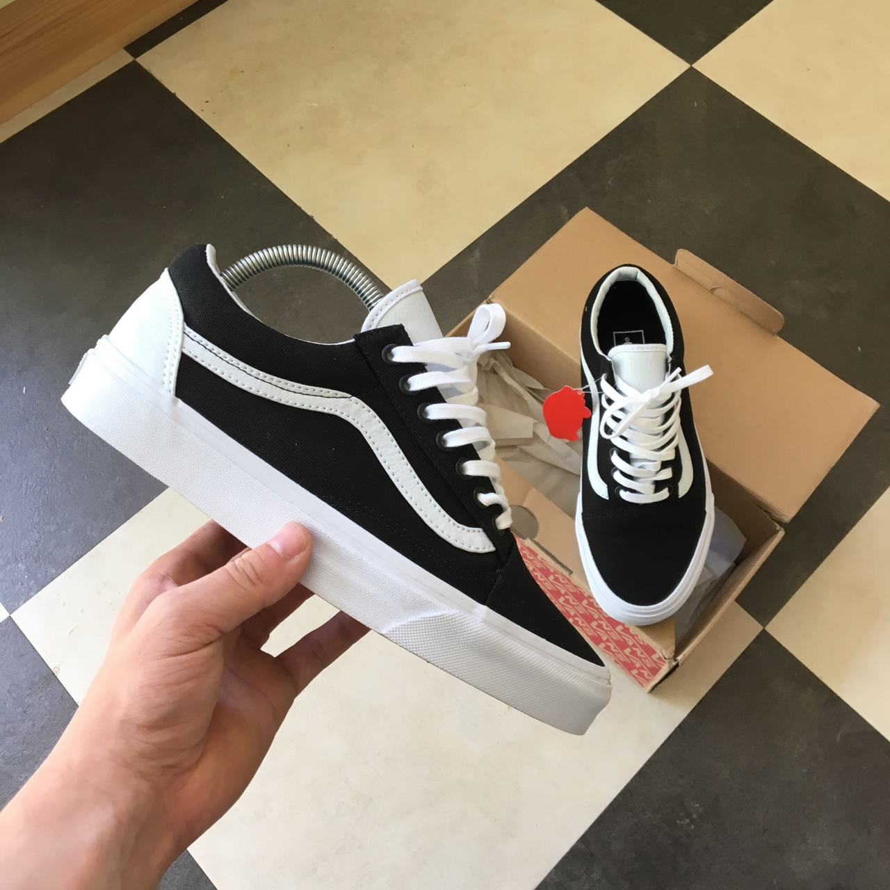 black old skool vans footlocker