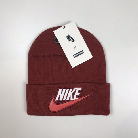 61f9a7a4778 Check out chleidertrader.ch 🔥   NAME  Supreme x Nike Beanie - Depop