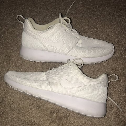 7c5f30ae6eb1 White Nike Roshes in good condition. Bottom of shoes are in - Depop