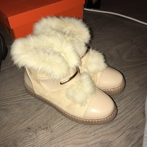 4f407b1db8fa 💛 Cream   beige rabbit fur boots ... so warm