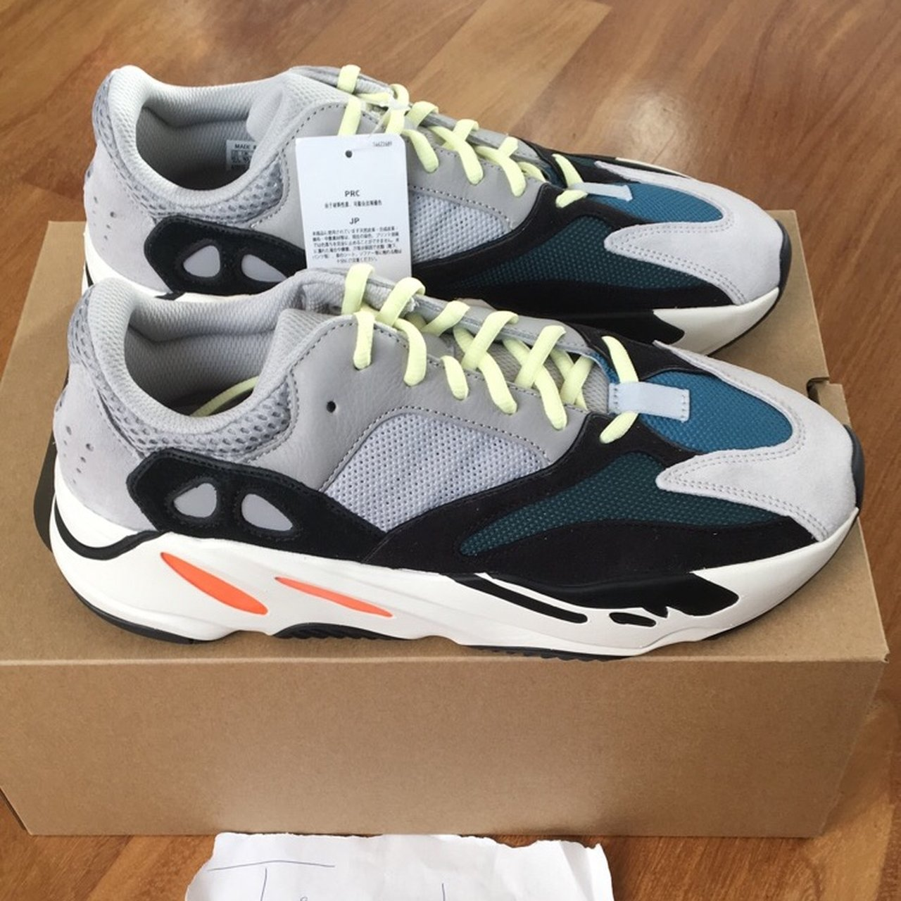 83cb51d6d WANT TO SELL ADIDAS YEEZY WAVE RUNNER 700 SOLID GREY SIZE   - Depop
