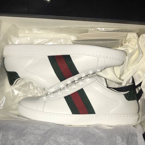 24d3ce98019  lisatranlam. 6 months ago. United States. Gucci Ace Leather Sneakers