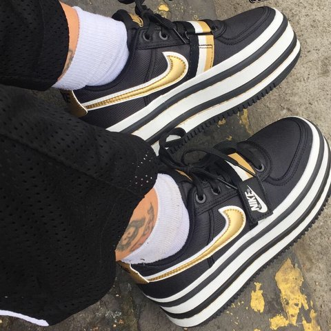 537ae9a7 Nike Vandal 2k size 6 Black white and gold The Nike Vandal a - Depop