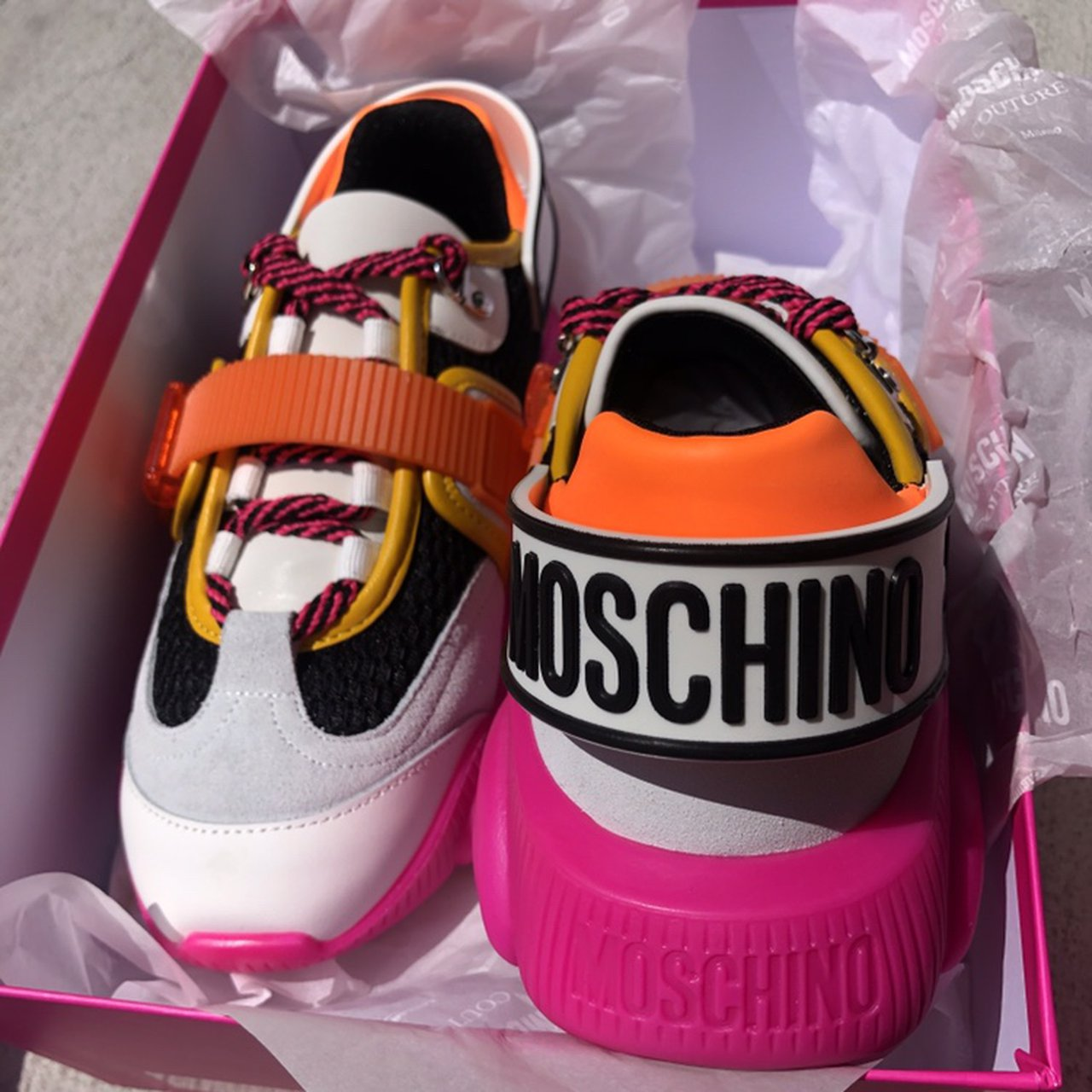 Moschino fluo teddy sneakers brand new