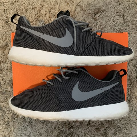 newest 40db4 cc9ad Nike Roshe Run Size 11.5 Condition 6 10 Replacement Box No- 0