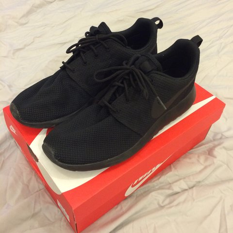 4f3ed666b39c Nike Roshe one. Uk 9. All black. Only worn once. Perfect - Depop
