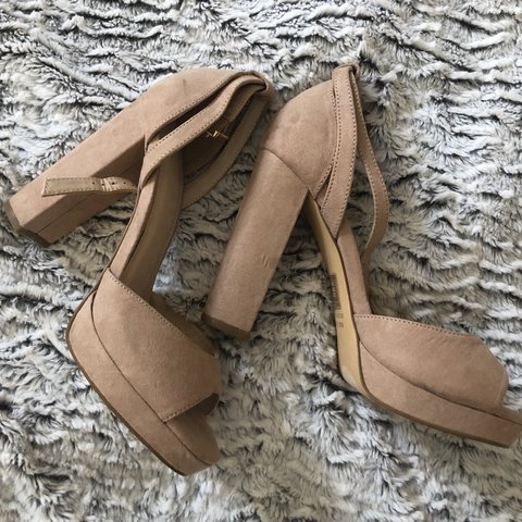 38847f1e205 Forever 21 Neutral high heels with peep toes (8.5) - fits - Depop