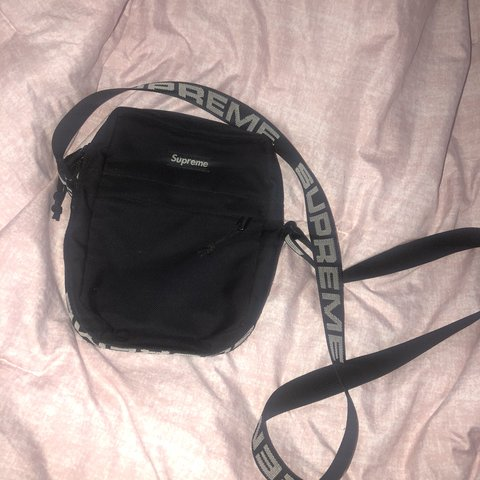 949a30b86f9160 SUPREME BLACK SIDE BAG 9/10 used a couple times but still in - Depop