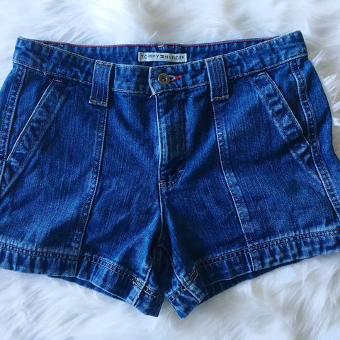 631ef556 @carlyloy. 2 years ago. Tenino, United States. ❤ 💙TOMMY HILFIGER DENIM  SHORTS💙❤ These are a medium wash, and feature a small ...