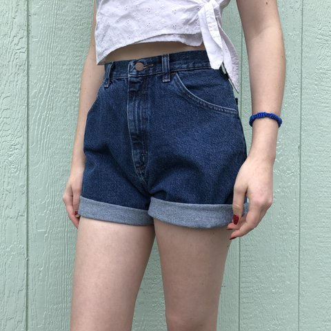 8114913cca @carlyloy. last year. Tenino, United States. 💙 PERFECT VINTAGE LEE HIGH  WAISTED MOM SHORTS ...