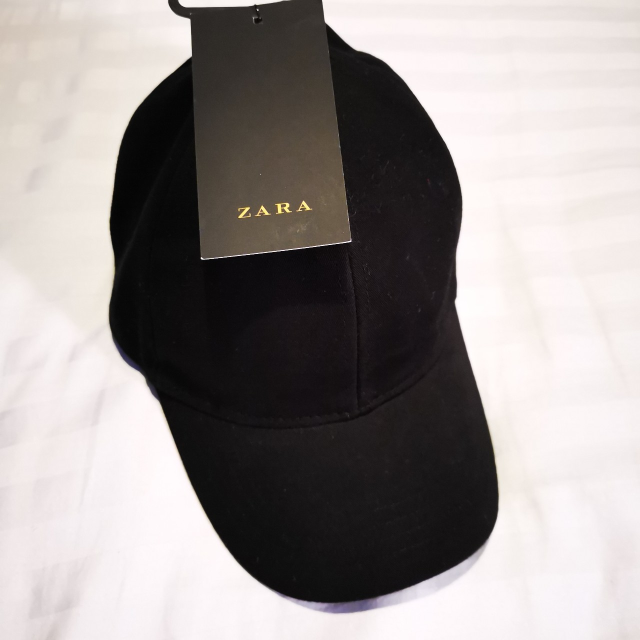 ab0cbe5031 Men's black cap from Zara. New with tags. Size M. - Depop