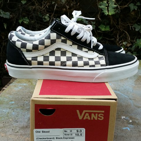 69f0d1af37bd88 Vans Old Skool Checkerboard size 9 used open for offers - Depop