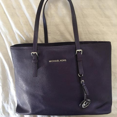 0f7ead731e6685 @karenablu. 2 years ago. New Jersey, USA. Michael Kors Jet Set Travel Large  Saffiano Leather Top-Zip Tote.