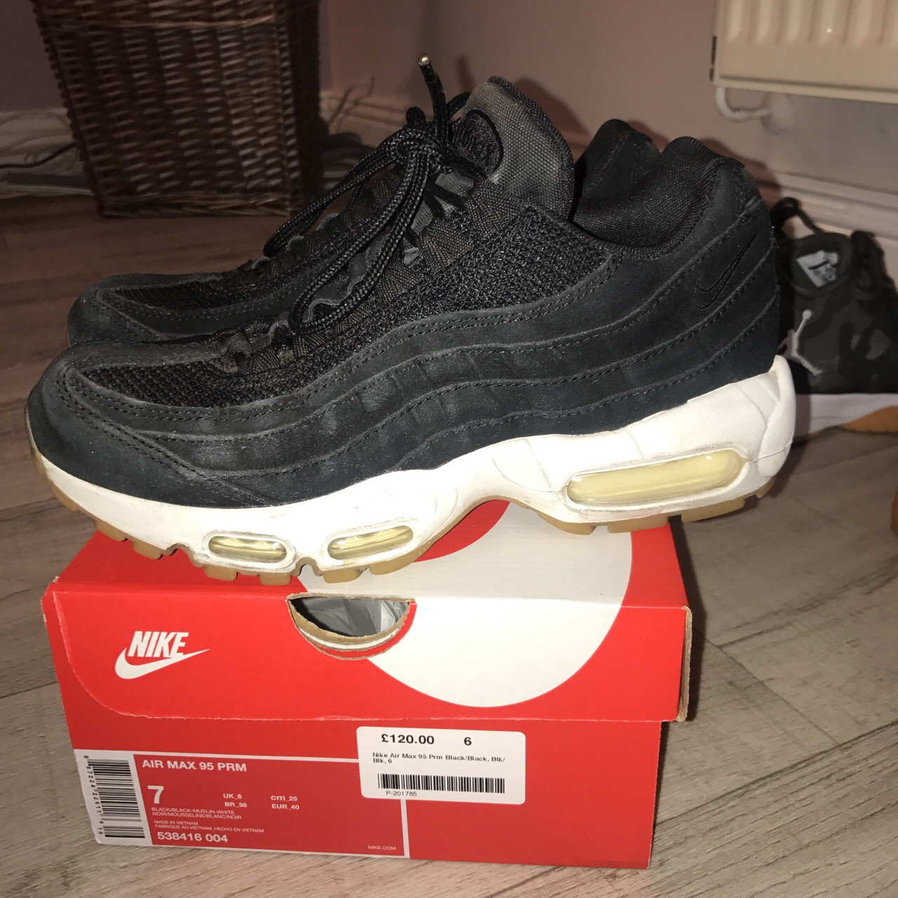 REDUCED!!! Nike air max 95 black with