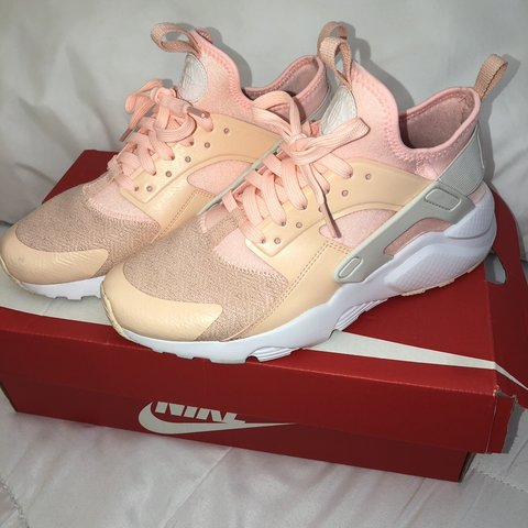 fef50a015d194 Nike huarache trainers size 5.5. Pink salmon colour