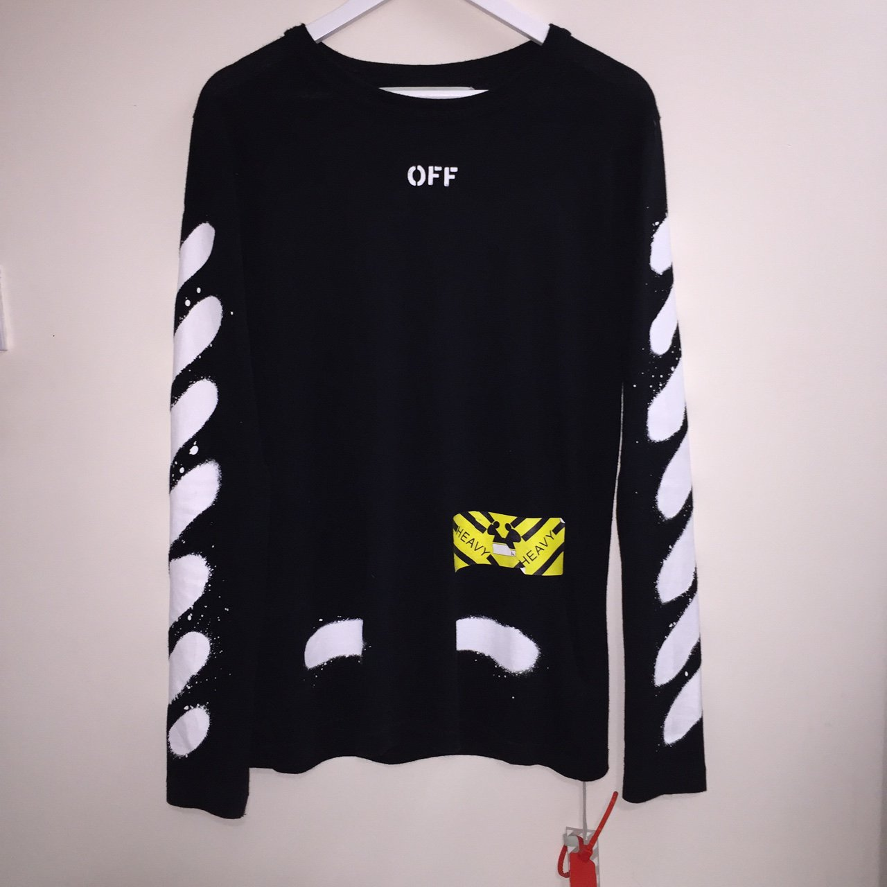 5396377929b0 OFF-WHITE DIAGONALS SPRAY LONG SLEEVE TEE Size small - fits - Depop