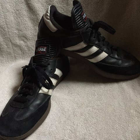 bf917738f99c Classic ADIDAS SAMBAS!! Barely any ware on these