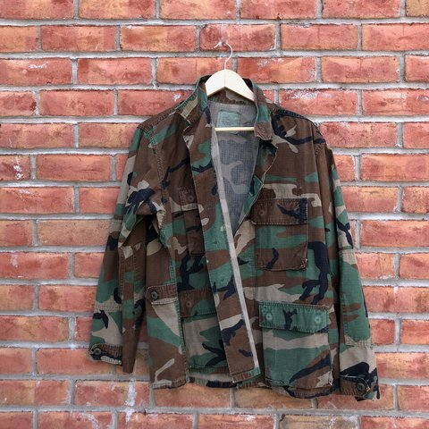 9fd5a6a2ab Vintage military camouflage cargo jacket   excellent worn   - Depop