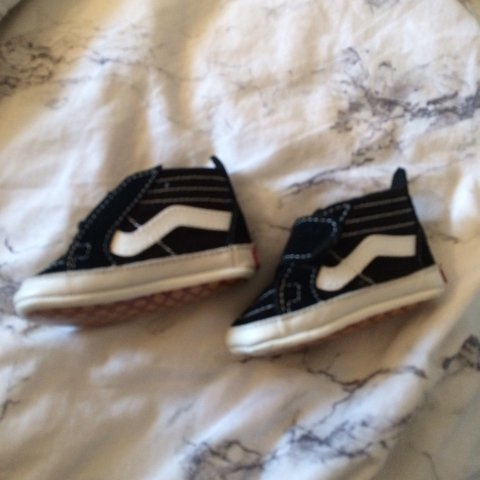 1b3106697997f9 Baby vans crib shoes brand new without box too small for my - Depop