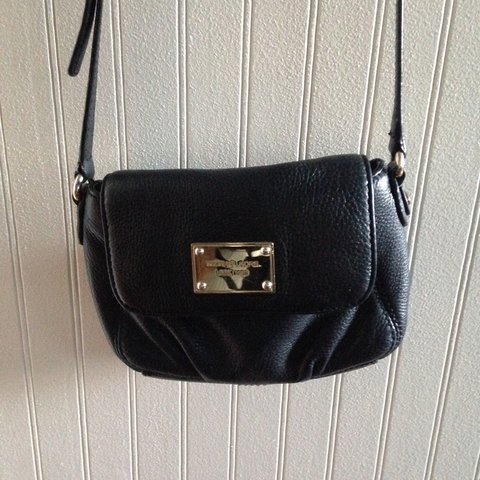 746bc1bfb0d4 @orionsmother. 2 years ago. Texas, USA. Small Michael Kors black cross body.  Gold hardware ...