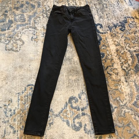 a25b402388 @momodoobie. 28 days ago. Boston, United States. Black hi-rise super stretch  jeggings from American Eagle Outfitters.