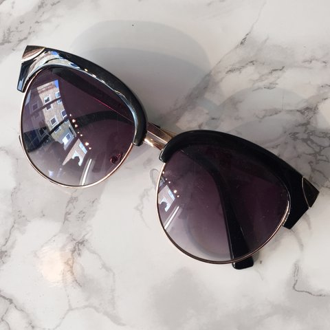 bc2dedbb66 Is like that sunglasses. UV400 cat 3. Free shipping - Depop