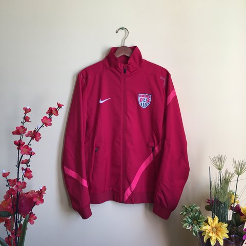 9c6834cf Nike Nike In Wet For Training Us Jacket Depop Soccer Perfect aqraZTx