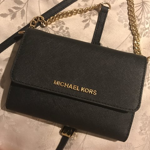 176d37dab749 @maddiemarden. 2 years ago. High Littleton, United Kingdom. Michael Kors  purse with removable long chain/strap in black ...