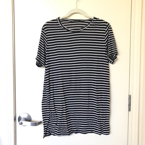 fe667af61d Brandy Melville Stripped Tee 🌹 very soft and oversized, be - Depop