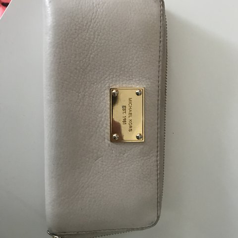 a75bb18bd64bef MK CREAM PURSE USED SOME MARKS BOUGHT FOR £100 Selling - Depop