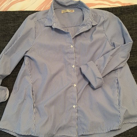 e4c11bed6 ZARA GIRLS SHIRT SIZE 13/14 but fits SIZE 6 With pockets and - Depop