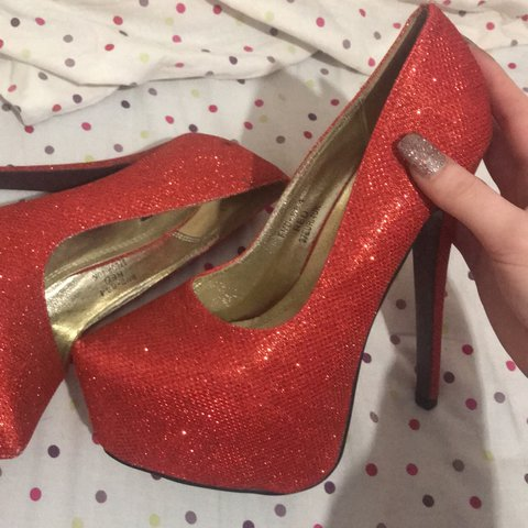 8ff58e51bfd8 Selling these red sparkly stiletto heels. They ve only been - Depop